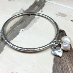 Danon Silver Heart And Pearls Bangle