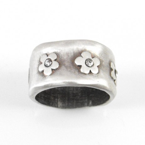 Danon Chunky Silver Daisy Flower Ring With Swarovski Crystals