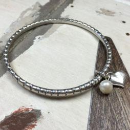 Danon Pearl And Heart Silver Twist Bangle
