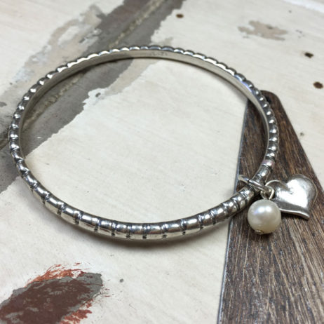 Danon Pearl And Heart Silver Twist Bangle