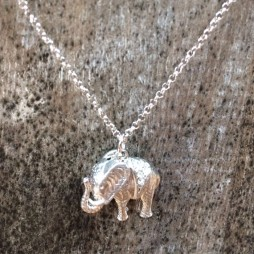 Hot Tomato Jewellery Silver Elephant Necklace