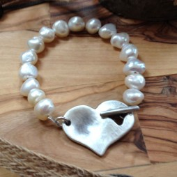 Danon Jewellery Freshwater Pearl Bracelet with Chunky Heart