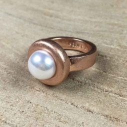 Sence Copenhagen Rose Gold Ring with Freshwater Pearl