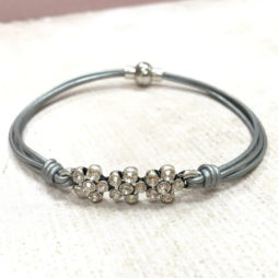 Hot Tomato Jewellery Silver Grey Daisy Bracelet