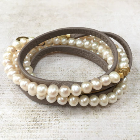 Sence Copenhagen Classic Freshwater Pearls Taupe Leather and Gold Wrap Bracelet