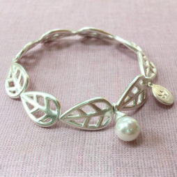 Sence Copenhagen Silver Leaf with Mother of Pearl Bracelet