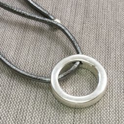 Sence Copenhagen Be Magical Silver Circle Pendant Leather Necklace