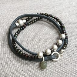 Sence Copenhagen Be Relaxed Bracelet Freshwater Pearls Grey Leather Worn Silver