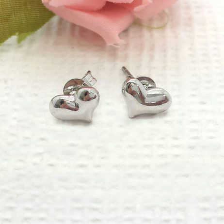 Life Charm Classic Heart Stud Earrings