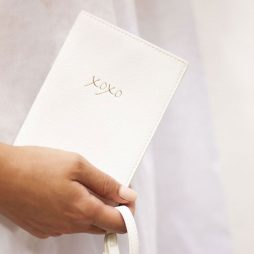 Katie Loxton Passport Holder XOXO White KLB525
