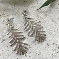 Hot Tomato Jewellery Articulated Feather Fern Silver Earrings